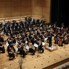 2/2  Simfoniki RTV Slovenija; foto Hugo Šekoranja