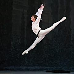 8/11  V.Shklyarov--Romeo photo Gene Schiavone
