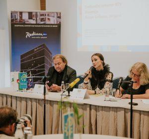 69/72  4. Novinarska konferenca s Svetlano Zaharovo