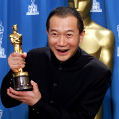 2/5    TAN DUN WITH OSCAR FOR BEST ORIGINAL SCORE AT ACADEMY AWARDS